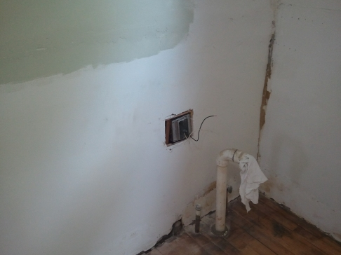 Electric outlet for Fridge